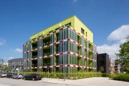 Das BIQ mit intelligenter Algenfassade gehört zu den Smart Material Houses, 2014 © Bernadette Grimmenstein / IBA Hamburg GmbH