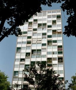 16-geschossiges Wohnhaus von Raymond Lopez und Eugène Beaudouin im Hansaviertel, 1992 © Landesarchiv Berlin, F Rep. 290 Nr. 0030810 / Foto: Edmund Kasperski