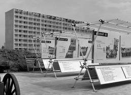 Orientierungstafeln für die Neubauten im Hansaviertel während der Interbau, 1957 © Landesarchiv Berlin, F Rep. 290 Nr. 0016908 / Foto: Willy Kiel