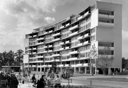 Neungeschossiges Wohnhaus von Walter Gropius, 1957 © Landesarchiv Berlin, F Rep. 290 Nr. 0056086 / Foto: Horst Siegmann