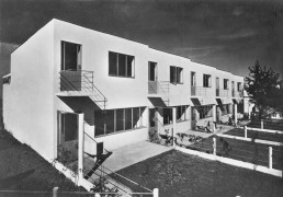 5 terraced houses by Jacobus Johannes Pieter Oud, Postcard around 1927 © Stadtarchiv Stuttgart